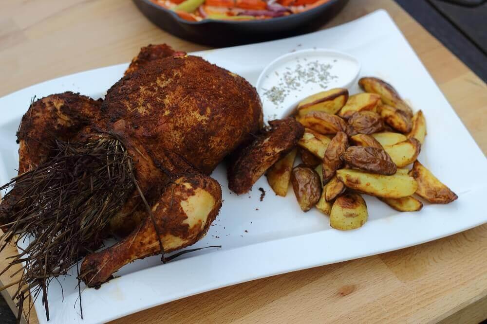 Maishuhn mit Kräuterheu-Füllung maishuhn_Living BBQ Kr  uterheu Huhn 1