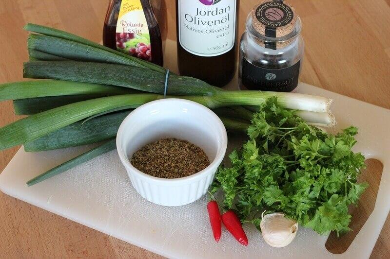 Die Zutaten für die argentinische Kräutersauce chimichurri_Living BBQ Zutaten Chimichurri
