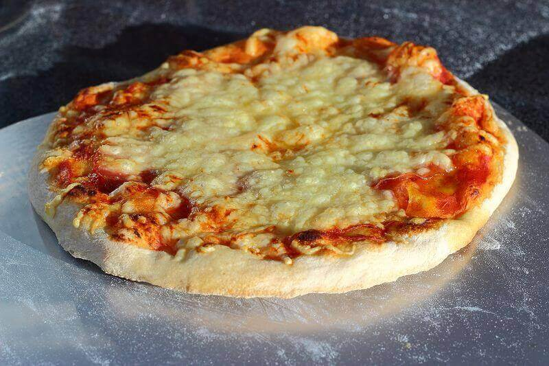 LivingBBQ perfekter PizzateigPizza Margharita