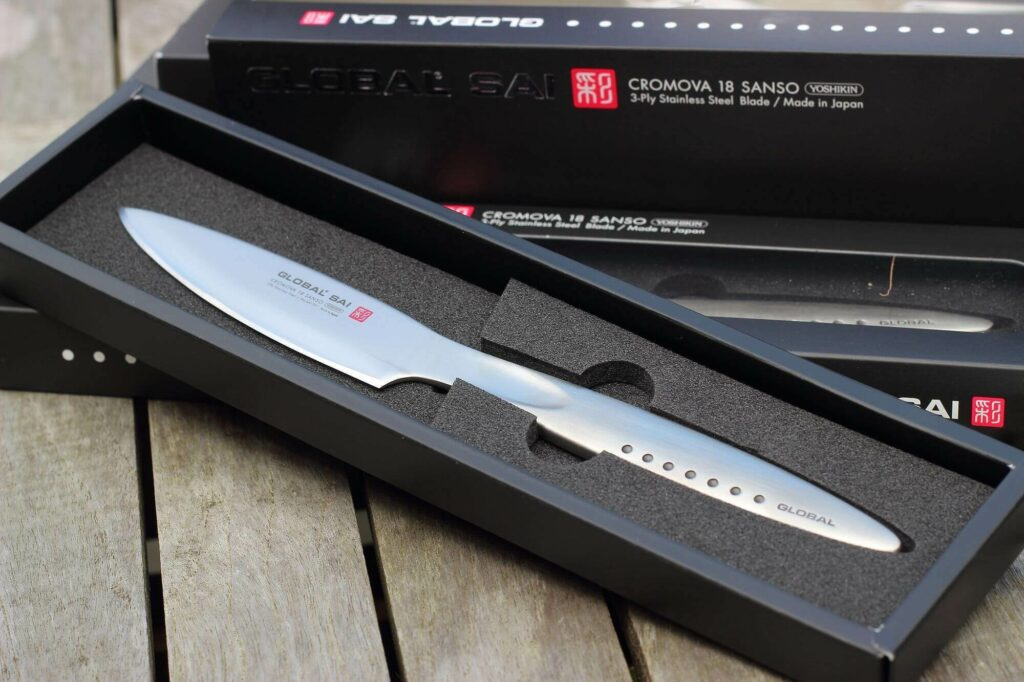LivingBBQ - Global SAI Steakmesser in Verpackung