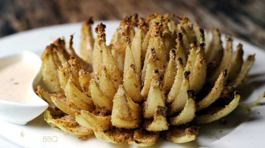Blooming onion vom Grill mit Dip blooming onion vom grill_Blooming onion vom Grill mit Dip 888x498