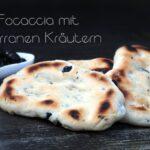 Oliven gefülltes Focaccia mit mediterranen Kräutern focaccia_Olivenbrot Focaccia Rezept fertig gebacken 3 150x150