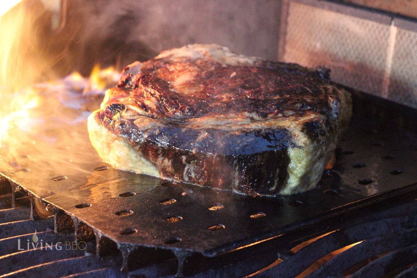 Steak grillen über direkter Hitze