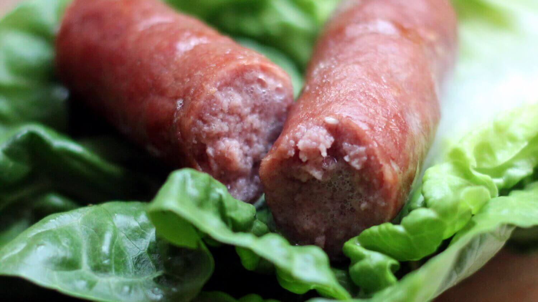 Knackiger Würstchen im Saitling hot dog würstchen_Hot Dog W  rstchen super saftig