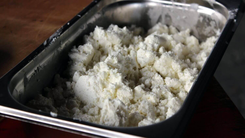 Fetakäse zerbröselt - Beilage zum Grillen beilage zum grillen_Beilage zum Grillen Fetak  se