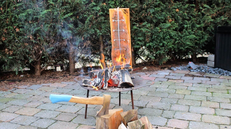 Flammlachs vom Holzbrett