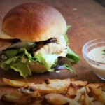 fisch-burger_Piraten Burger mit Seelachsfilet und Remoulade 150x150
