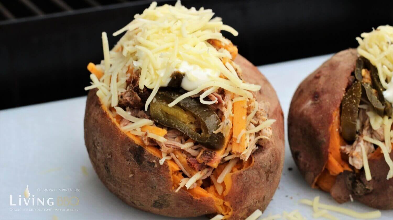 gefüllte Süßkartoffel mit Käse gefüllte süßkartoffel_Pulled Pork gef  llte S    kartoffel K  se Jalapenos