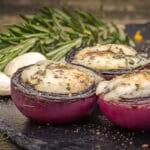 grillrezepte_Rote Zwiebeln Portwein Ziegenk  se 150x150