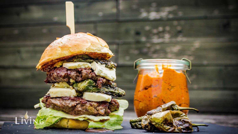 Ajvar Burger grillrezepte_Ajvar Burger 6 von 7