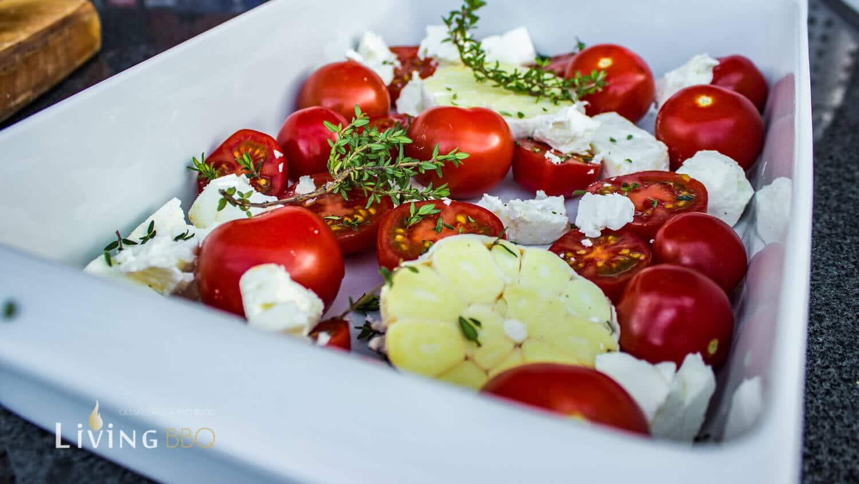 Geräucherte Tomaten einschichten
