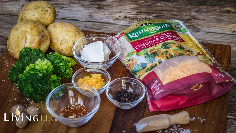Backkartoffel mit Broccoli und Cheddarkäse
