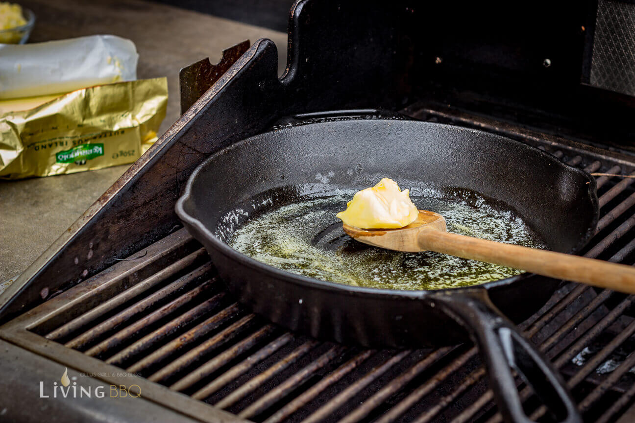 Butter in einer Pfanne schmelzen quesadillas_Quesadillas Flank Steak 4 von 17