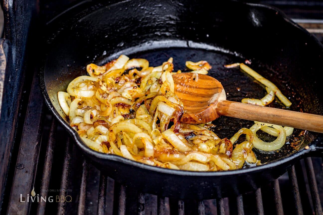 Zwiebeln karamelllisiert quesadillas_Quesadillas Flank Steak 5 von 17