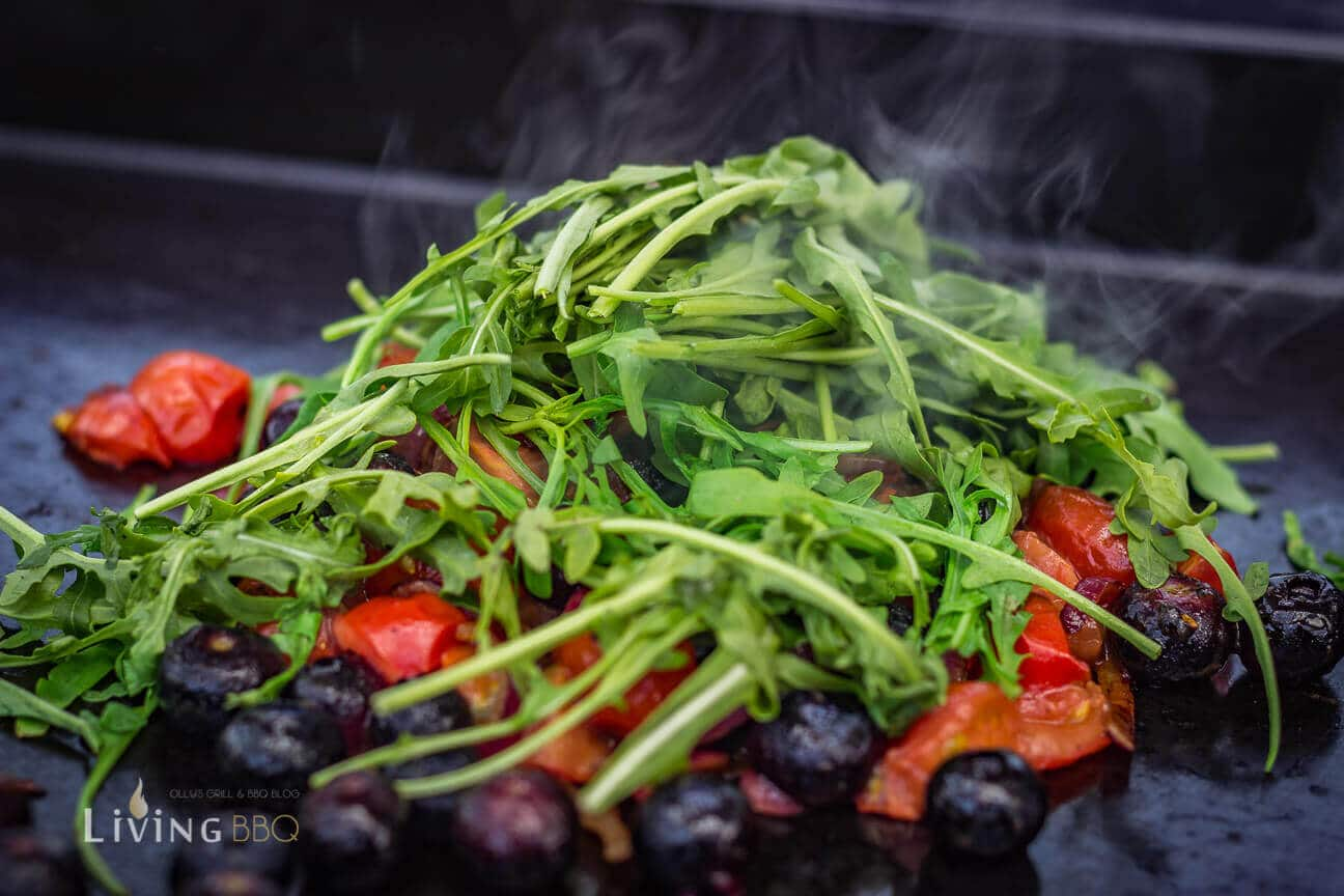 Gemüse auf der heißen Platte der Plancha