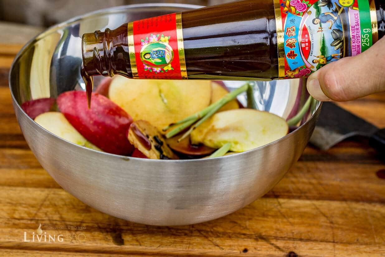 Lee Kum Kee Premium Oyster Sauce hinzufügen