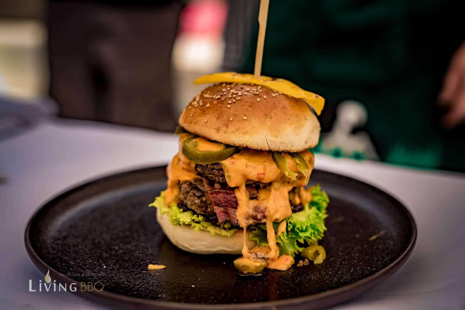 Cheddar Burger [object object]_Kerrygold Cheddar Burger Challenge 31 von 32