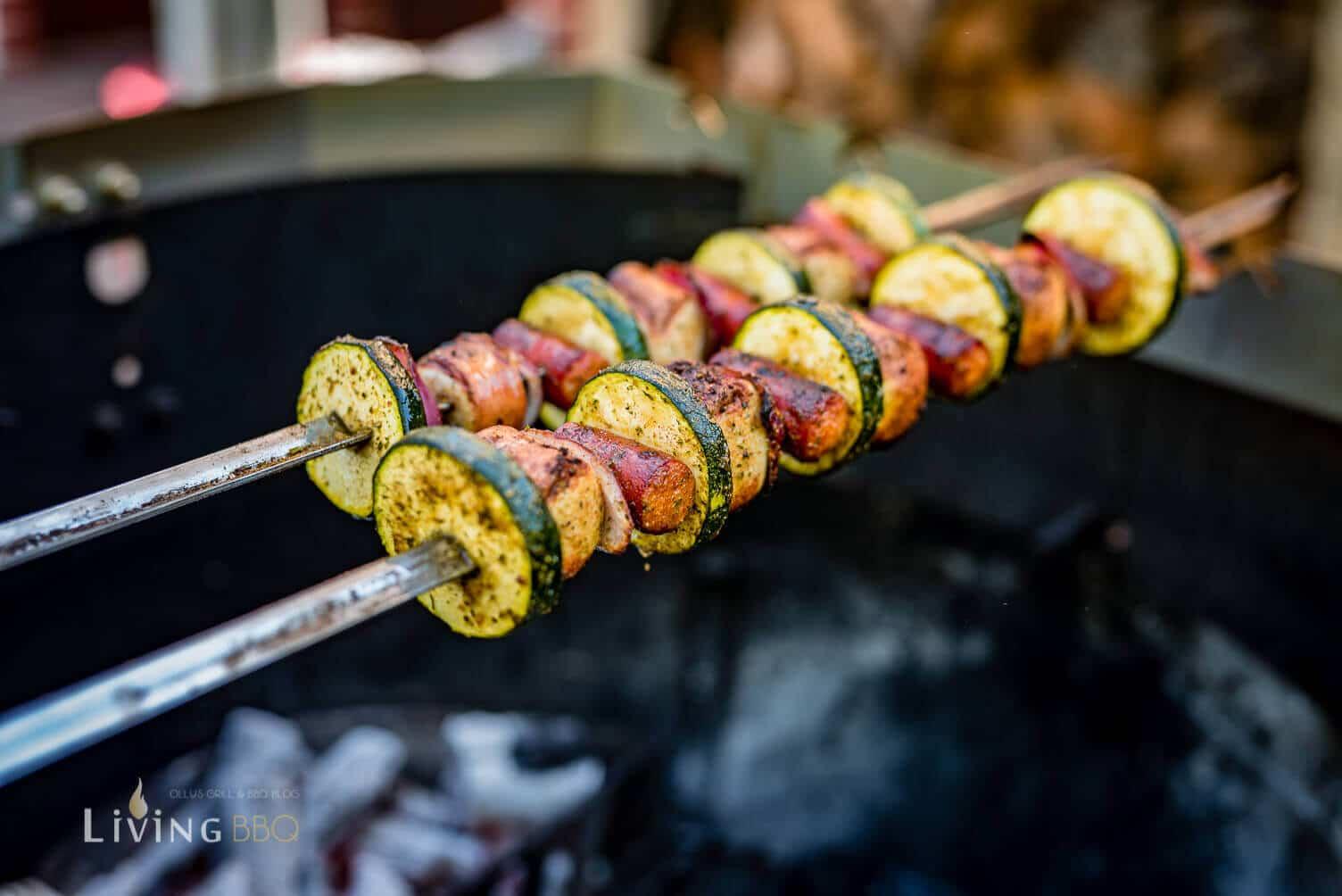 Bratwurst Spieße auf dem grill _Grillspie  e mit Bratwurst 8 von 14