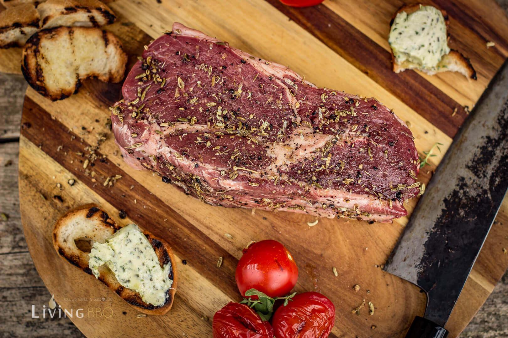 Rub auf das Steak auftragen