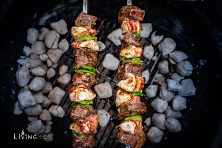Kalbfleisch-Spieße grillen