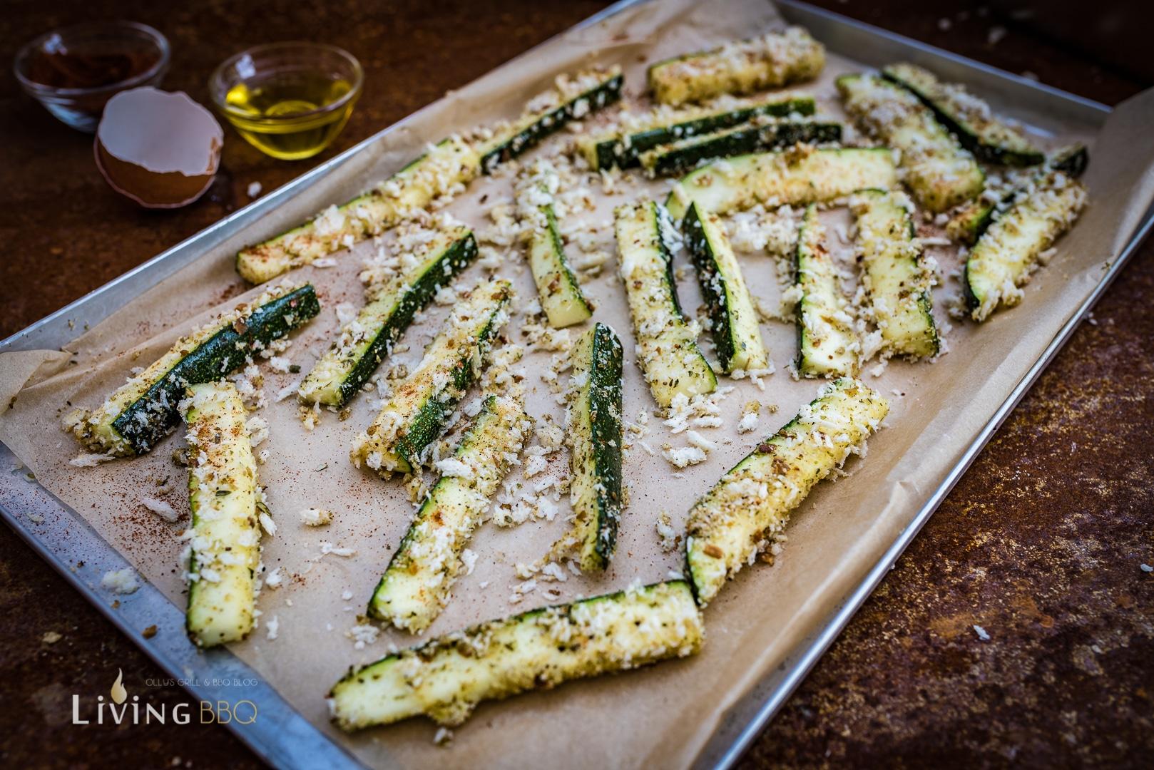 panierte Zucchini Pommes in Pankmomehl