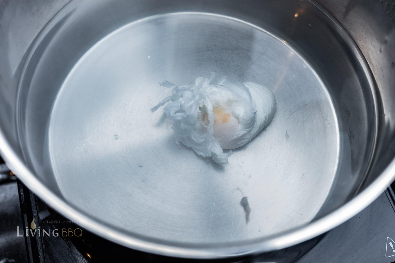 Pochierte Eier im Strudel zubereiten