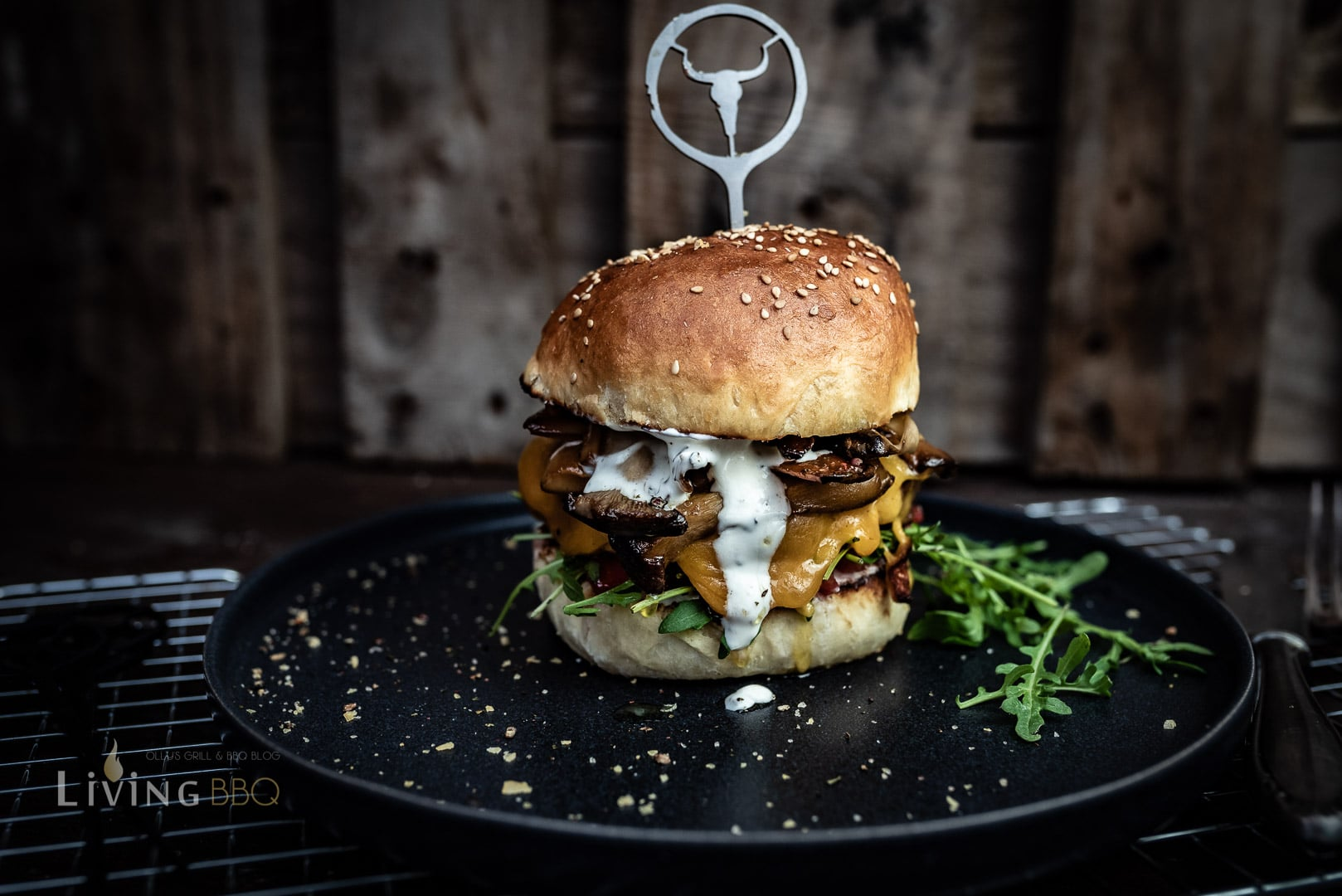 Kräuterseitling Burger mit Cheddarkäse