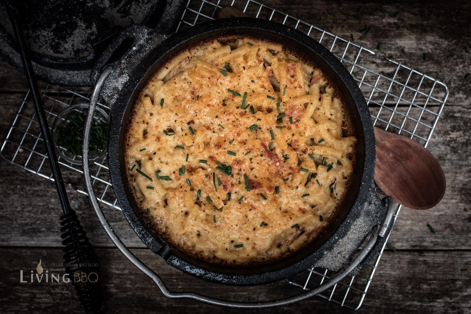 Makkaroni mit Schinken und Käse Auflauf im Dutch Oven