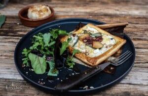Blätterteig Tarte mit Ricotta und Blauschimmelkäse