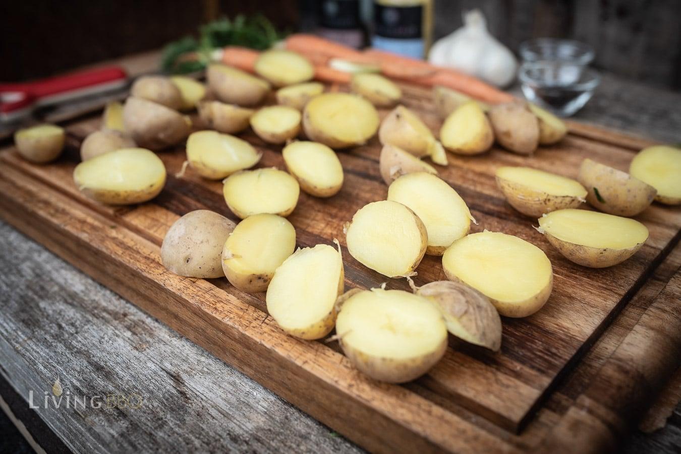 Kartoffeln für die Feuerplatte