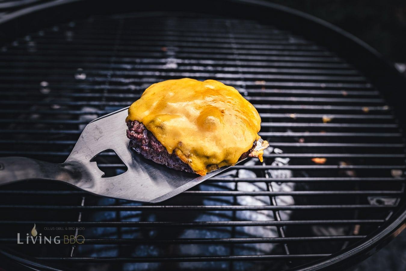 Käse auf dem Cheeseburger