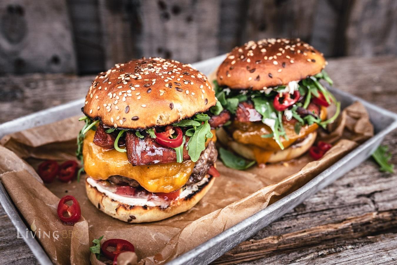 Chorizo Burger mit Cheddar und Beef