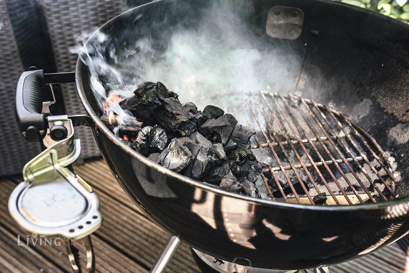 Weber Kugelgrill für indirekte Hitze vorbereiten