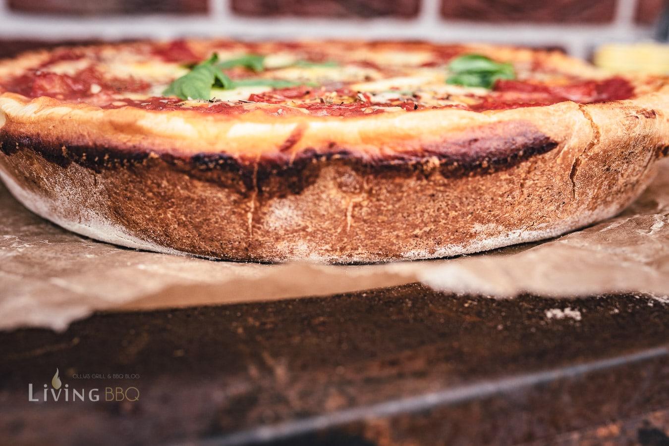 Deep Dish Pizza aus der Pfanne